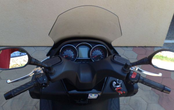 Kymco DOWNTOWN dashboard
