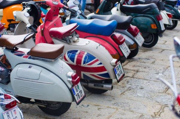 "Vespe ""okupirale"" Biograd: VESPA WORLD DAYS 2015"