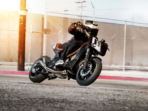 Hyper Modified TMAX by Roland Sands